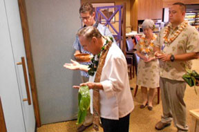 Kahu performs Hawaiian blessing for four Seasons Resort Lounge