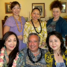 Teaching Hawaiian culture with students from Japan
