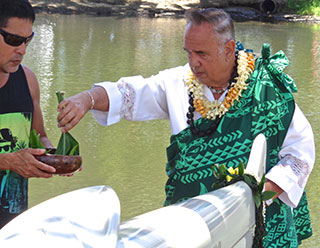 Kahu Silva performs ancient Hawaiian canoe blessing